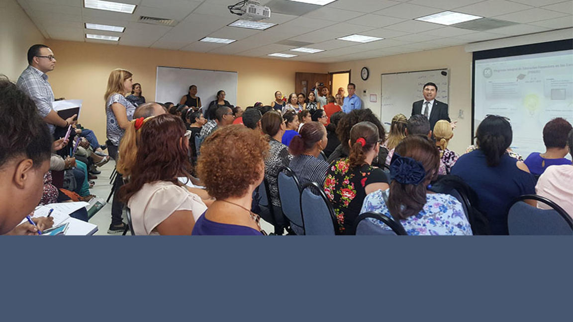 CC-Puerto Rico hosts financial seminars for teachers